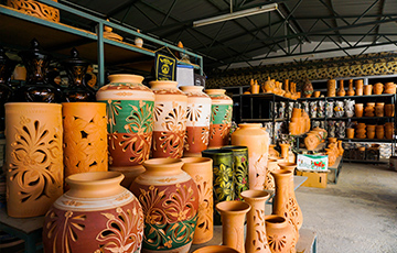 Trying Pottery In Perak